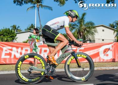 Sam never showed up as fast in Hawi before, but the end of the bike was a torture. After 100K it snapped somewhere.