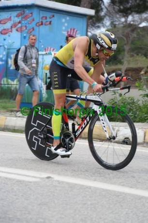 Raph became a steady cyclist, more powerfull and coming into T2 more relaxed.