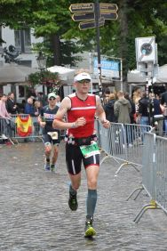 A strong offbike run for Patrick, running towards his 10h02 in Ironman Maastricht!